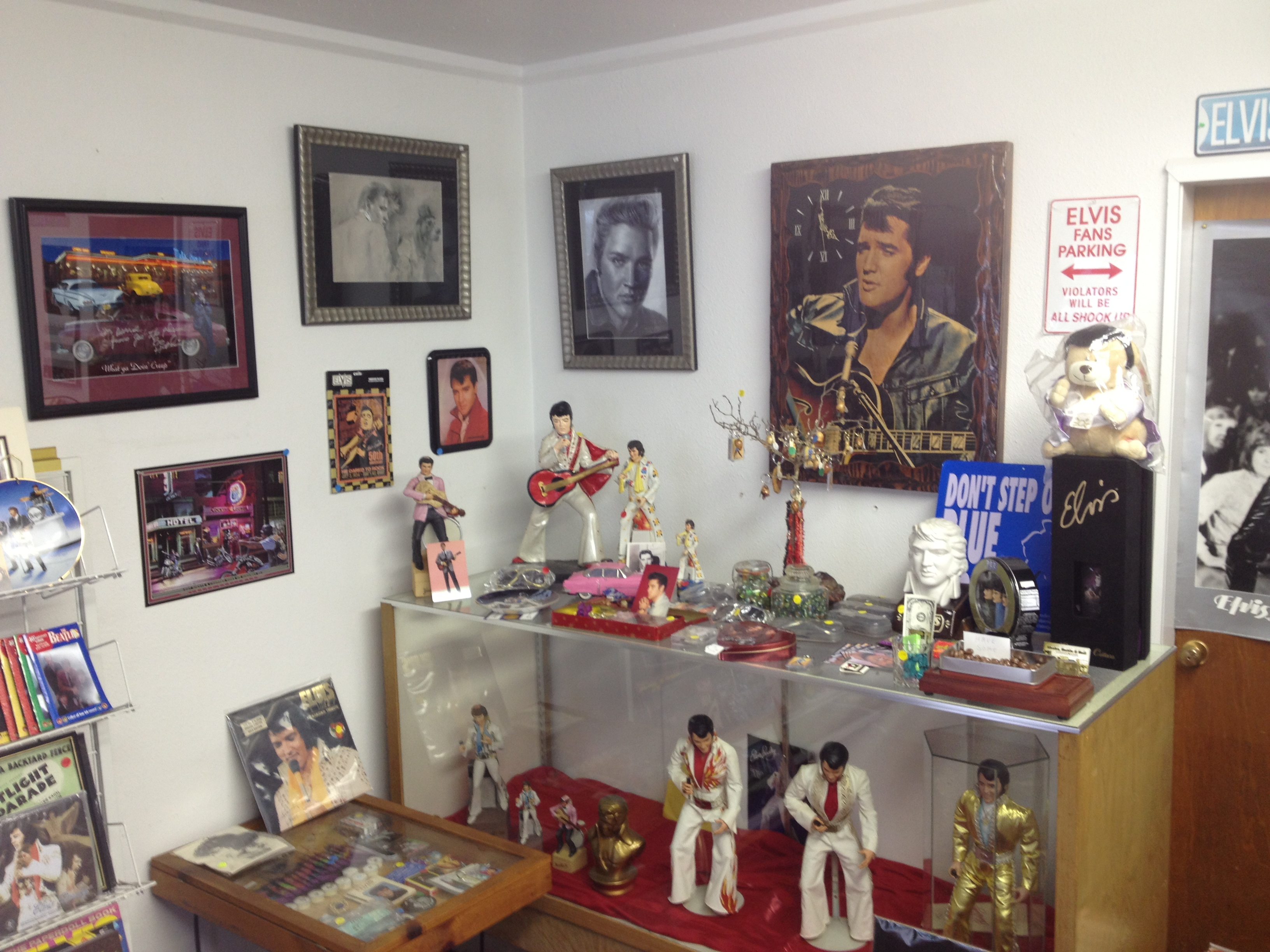 elvis, memorabilia, collectibles, antiques